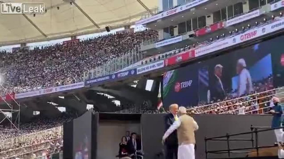 110,000 Indians Cheer for Trump