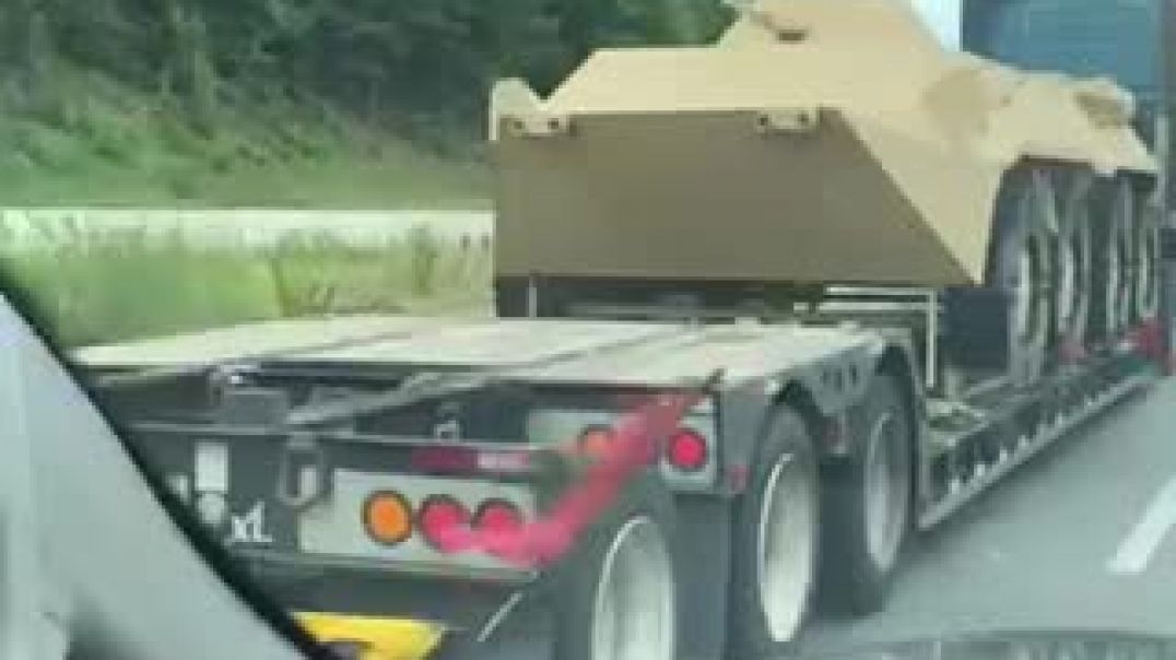 Mock Up of lifesize tank traveling along 85 N 7/6/2020 outta South Carolina. WTF?