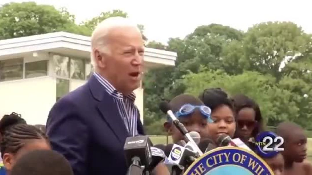 Joe Biden Sharing Story of Young Kids Rubbing His Hairy Legs in the Pool-uIjYuIeEbAo