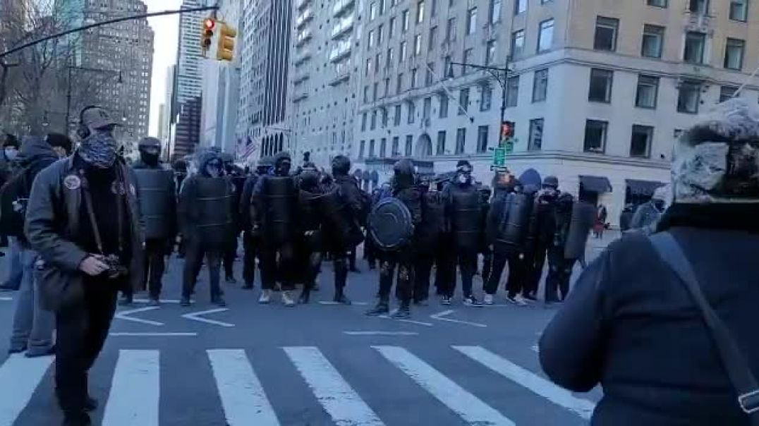 Antifa ny 1-10-2020 assaulting the streets and claiming them as their own